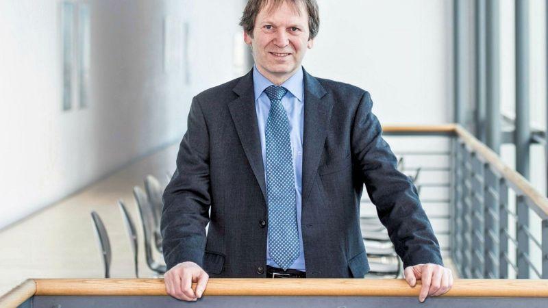 Porträtbild von Hans-Martin Henning - Leiter  des Fraunhofer-Institut für Solare Energiesysteme