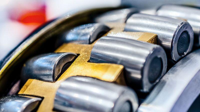 Industrie: zweireihiges Rollenlager als Symbolbild für Verschleiß und Reibung