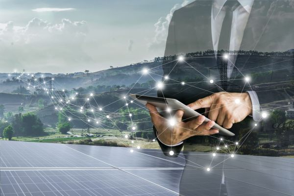 """Über Potenziale der Digitalisierung in der Photovoltaik diskutierten Expertinnen und Experten im Workshop """"Digitalisierung in der Photovoltaik""""."""