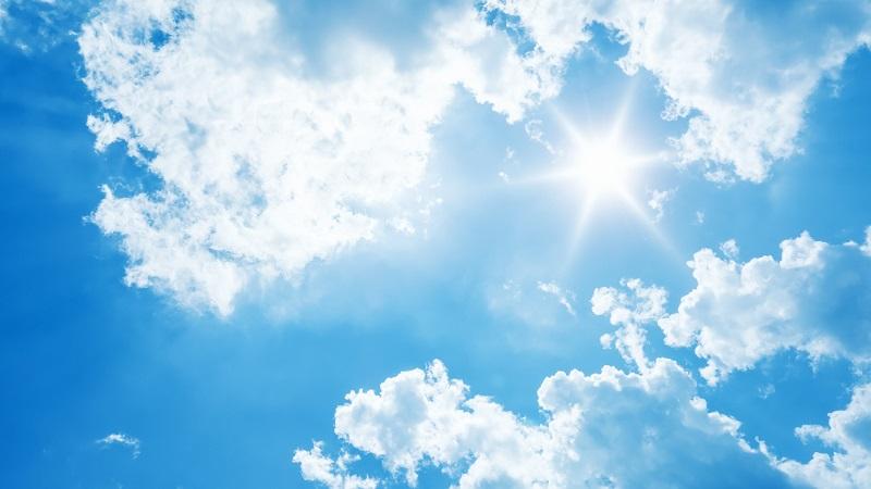 Sonne mit Wolken