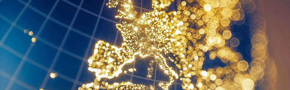 Grafik: Blaue Weltkarte mit Ausschnitt auf Europa in gold